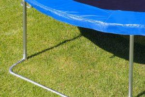 El trampolin de jardin más valorado y vendido modelo jumper de ultrasport color azul con negro